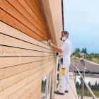 Puitfassaadi ja -aia värvimine viimistlusseadmega on kiire ja mugav