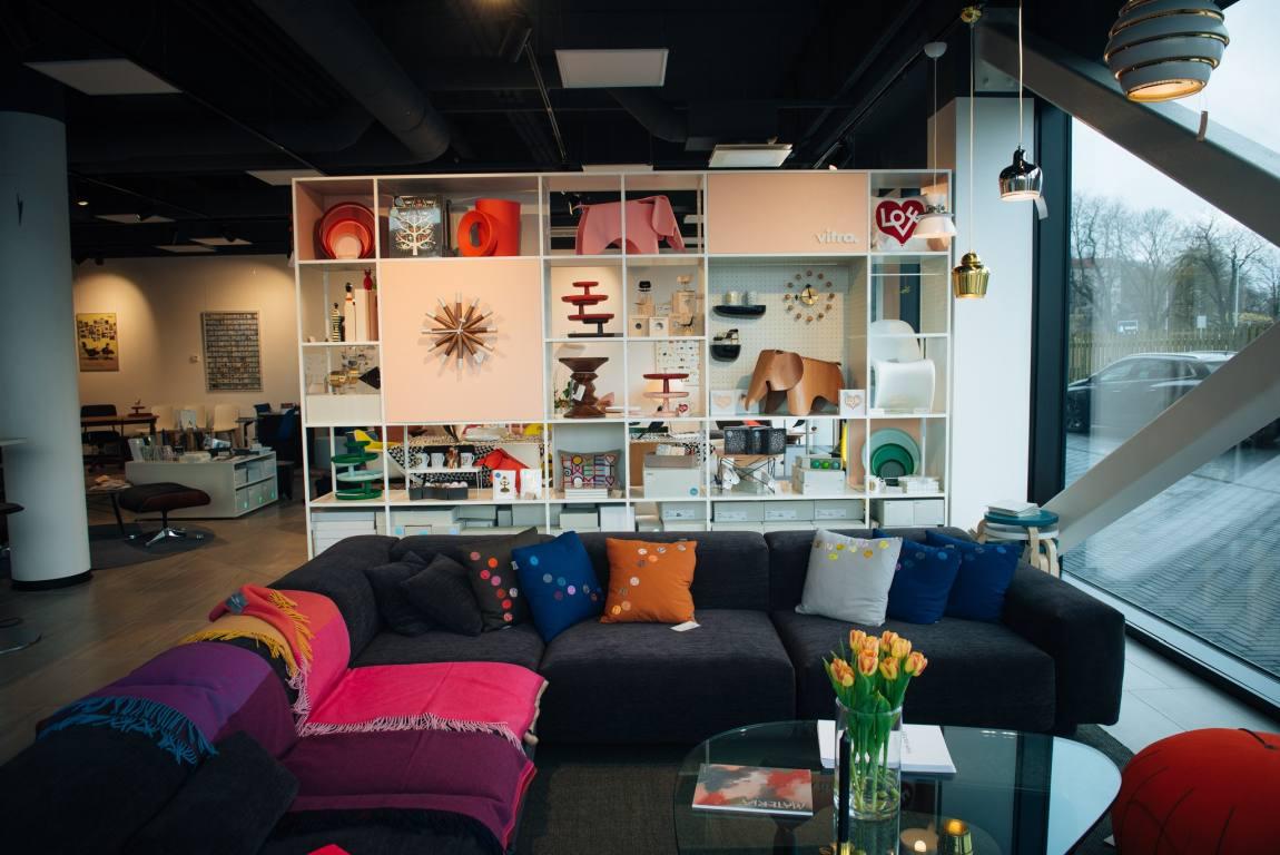 INTERA AS kodumööbli ja büroosisustuse salongid