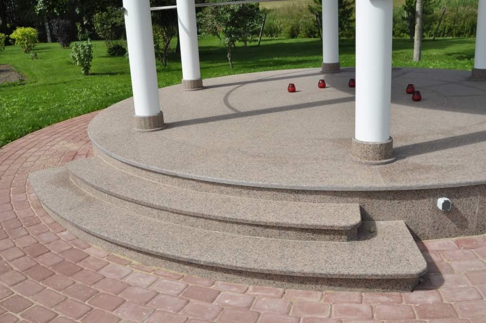 KIVISEPAD AS kivist töötasapinnad, trepiplaadid, kaminakivid jpm