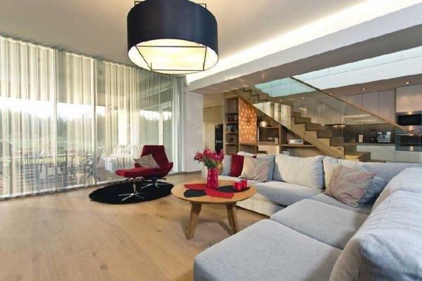 32 - Interior designer ULVI RAUDSIK