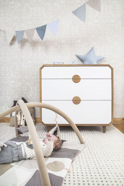 Pilt12-UUP Disain OÜ taburetid, toolid, valgustid