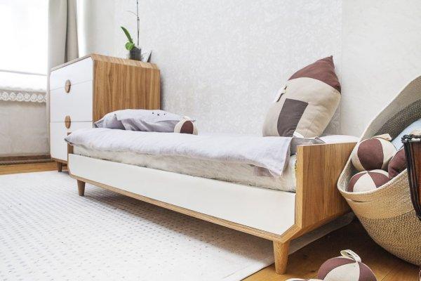 Pilt20-UUP Disain OÜ taburetid, toolid, valgustid