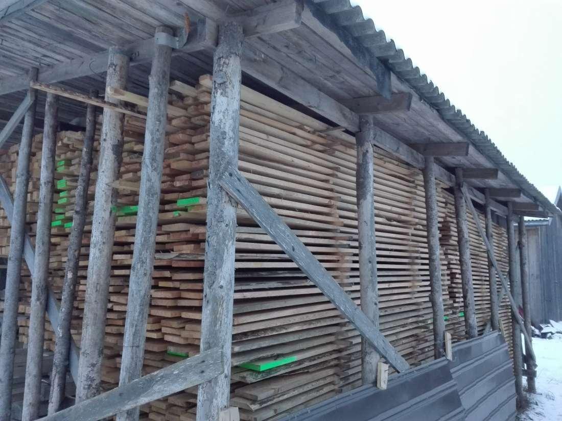 RAJA & RAJA OÜ kolimisteenused, küttepuud, saematerjal