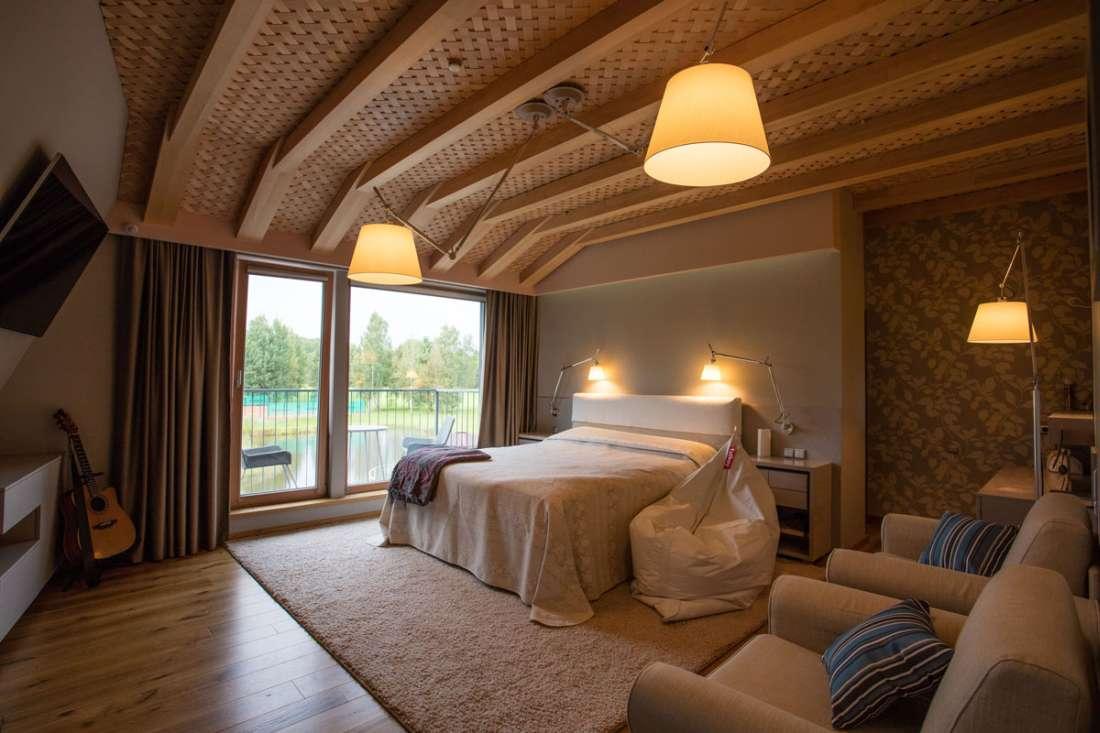 KARUSE MÖÖBEL puitmööbel, puitpõrandad, puittrepid, siseuksed