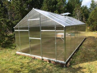 4 - Nutivõimalustega kasvuhoone Gampre