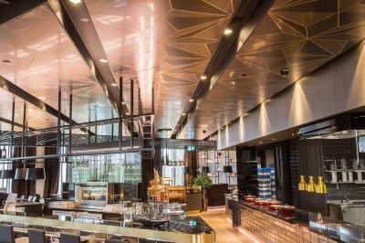 17 - Pinglagi Hilton hotelli restoranis Tallinnas