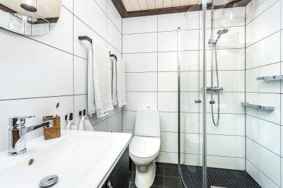 15 - Väikese vannitoa remont