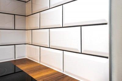 8 - Köögimööbli tagaseina keraamiliste plaatide paigaldus