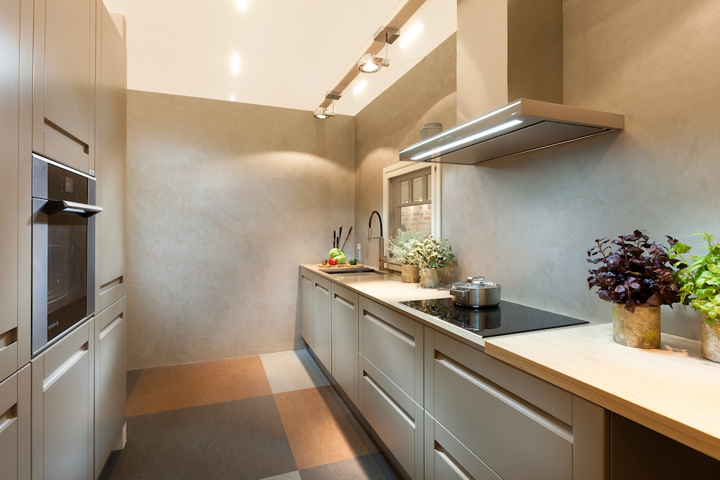 Domus Kinnisvara köök, disain Aet Pile, köögitootja Arens, põrand Floorin, foto: Toomas Tuul