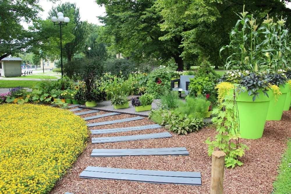 """Inspiratsiooni aiakujunduseks """"Aed kui kunstiteos"""" või """"Tervendav aed"""""""