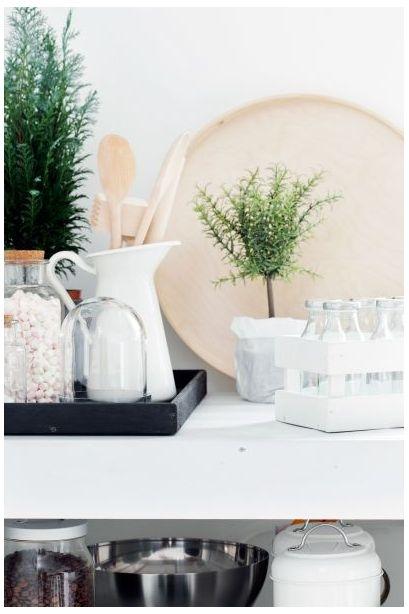 Detailid on valitud rõhutatult lihtsad ja sobituvad kodu monokroomsesse tervikusse.