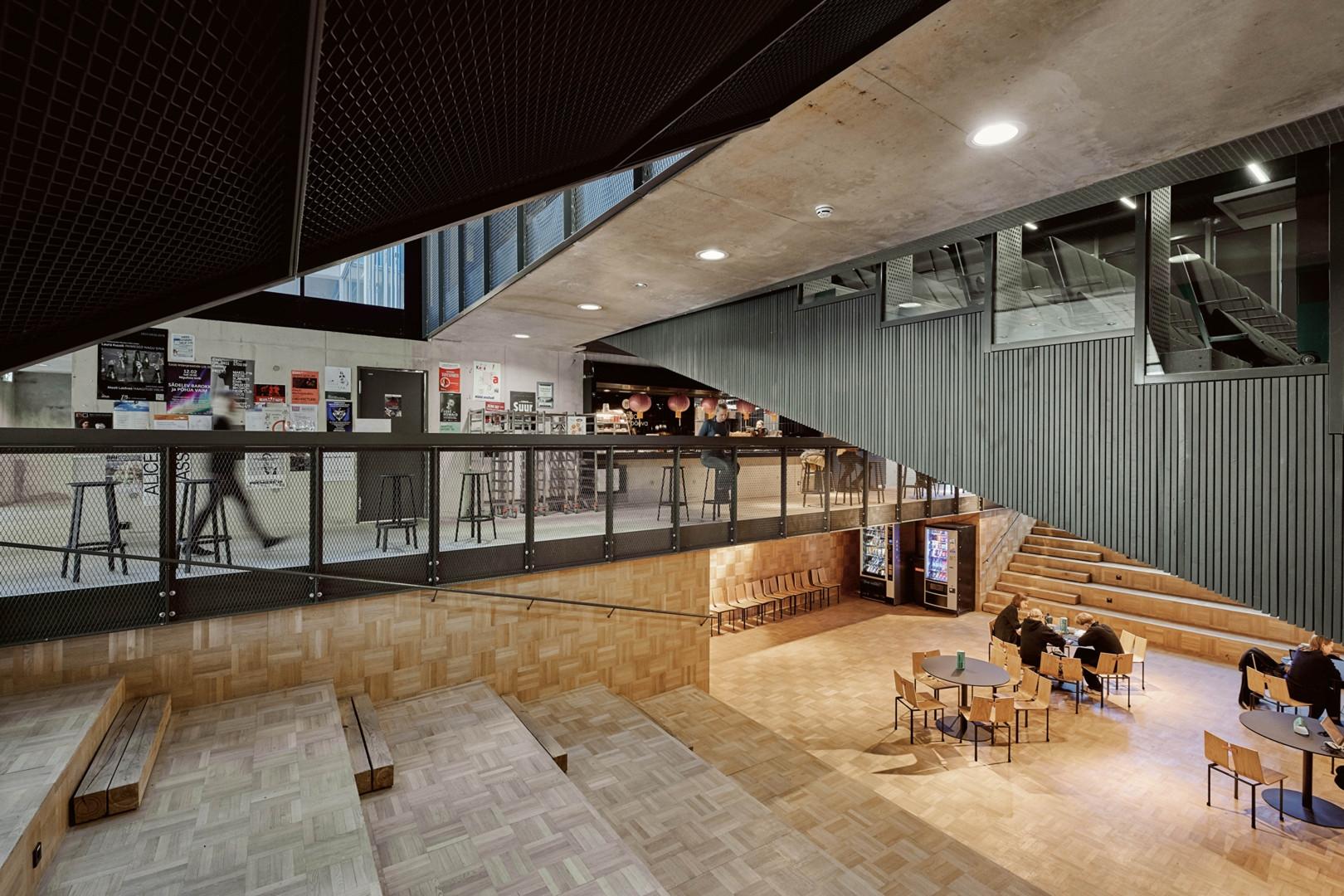 Eesti Kunstiakadeemia sise- ja välisvaated