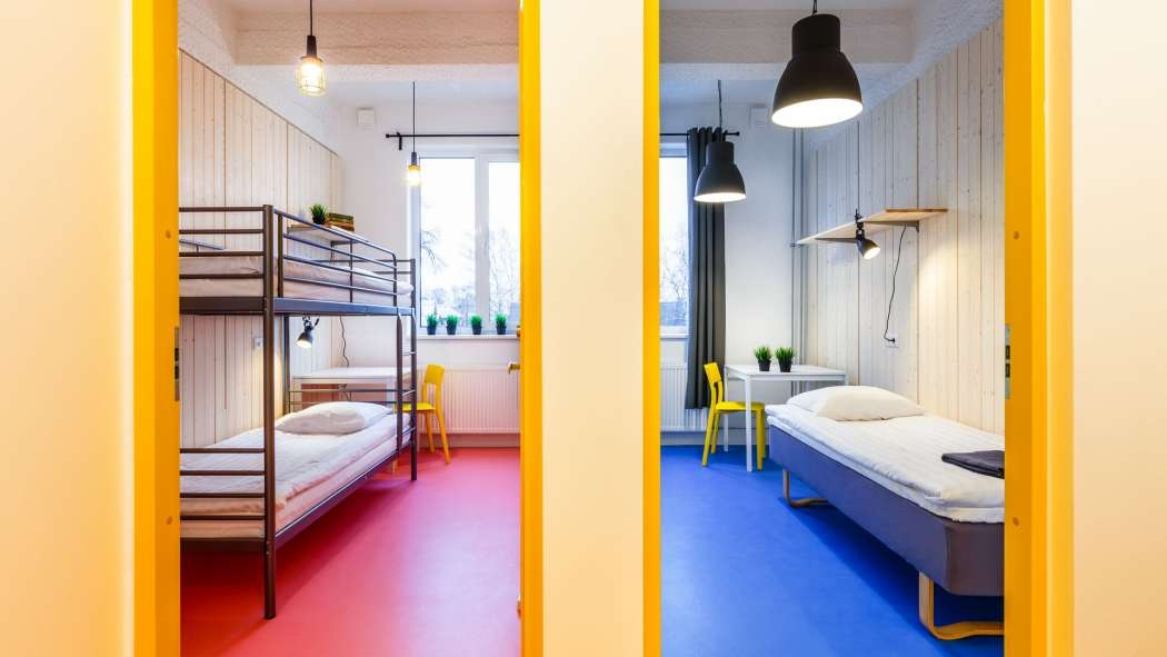 Omanäolise interjööriga Hektor Design Hostel Tartus