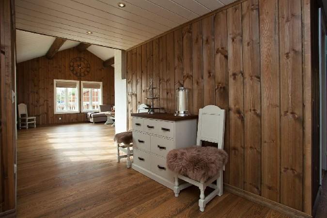 Norras Trysili Suusakeskuse lähedal asuv mägimaja on aga näide sellest, kuidas suurepärane stiilitaju ja armastus puidu vastu on aidanud ühel Norra perel luua endale hubase puhkemaja, mis tekitab taht