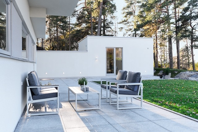 Modernses võtmes AEROCi maja Rootsis Stockholmi lähistel