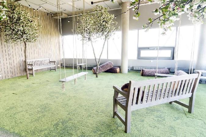 Puhke- ja koosolekuruum 14. korrusel.