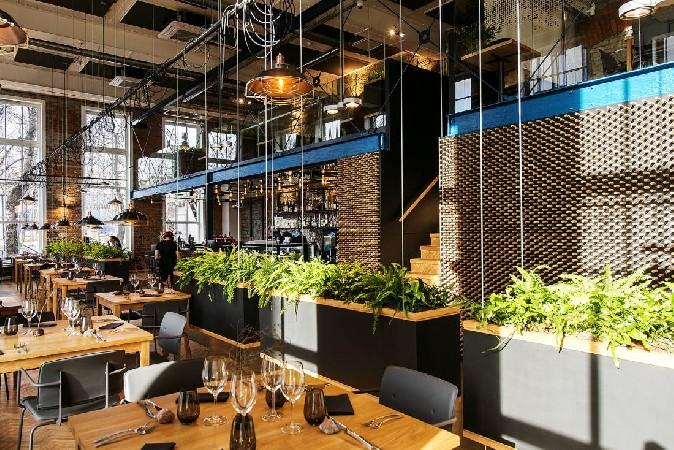 Restoran Juur – Ahti Grünberg, Tõnis Kalve (SOO4 Interiors)