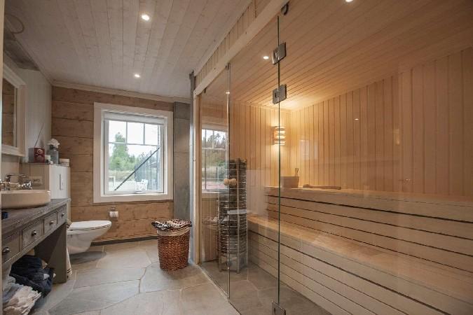 Vannituba ja saun palkmajas