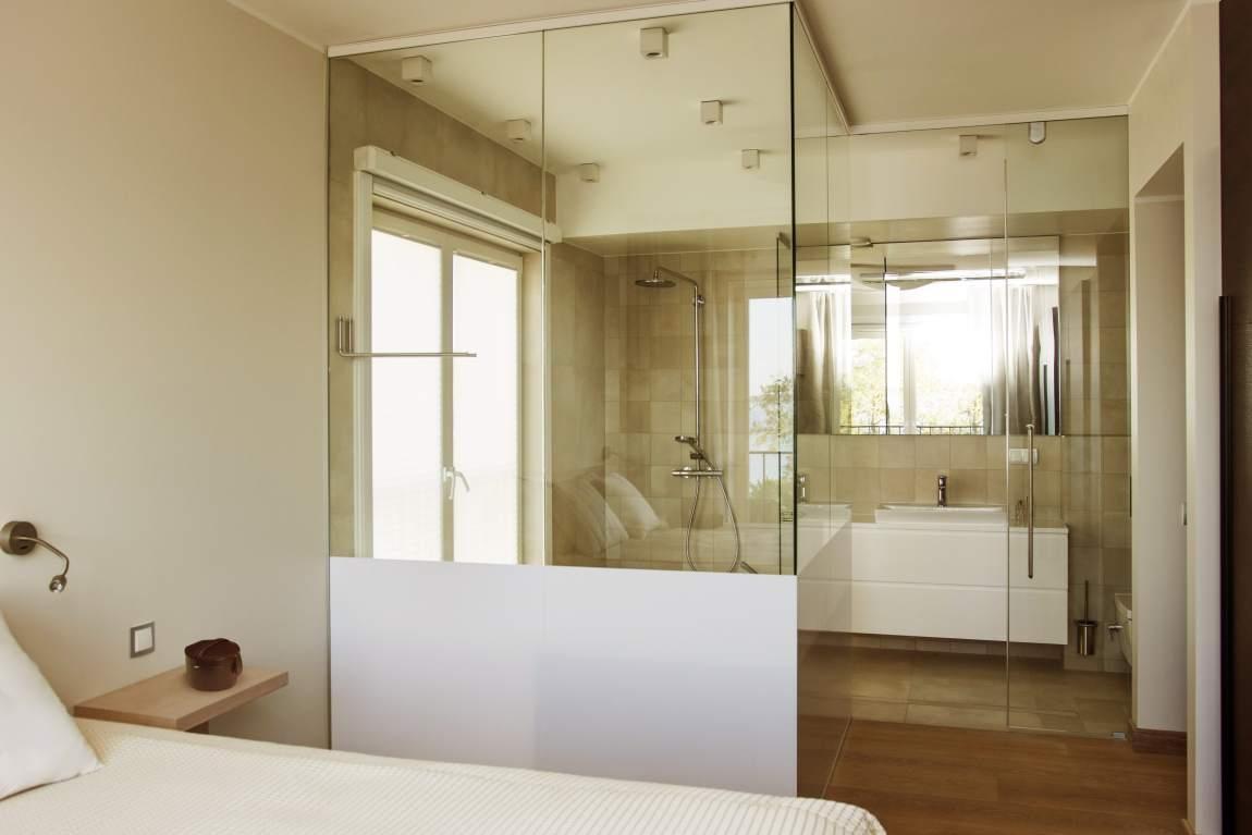 Pererahva enda magamistoa sisustamisel võeti eeskuju itaalia disaineri Antonio Citterio algatatud julgest ja ekstravagantsest ideest, mille kohaselt on magamistoaga põnevalt ühendatud läbipaistev vann
