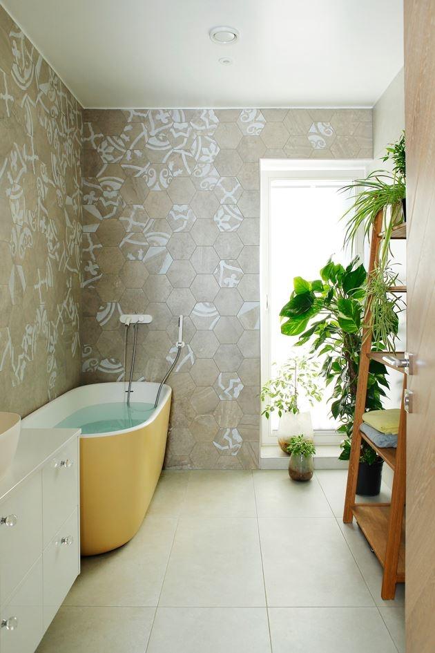 Efektsed keraamilised plaadid ja värviline vann