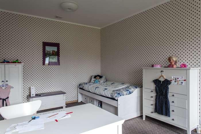 Väikese tüdruku tuba