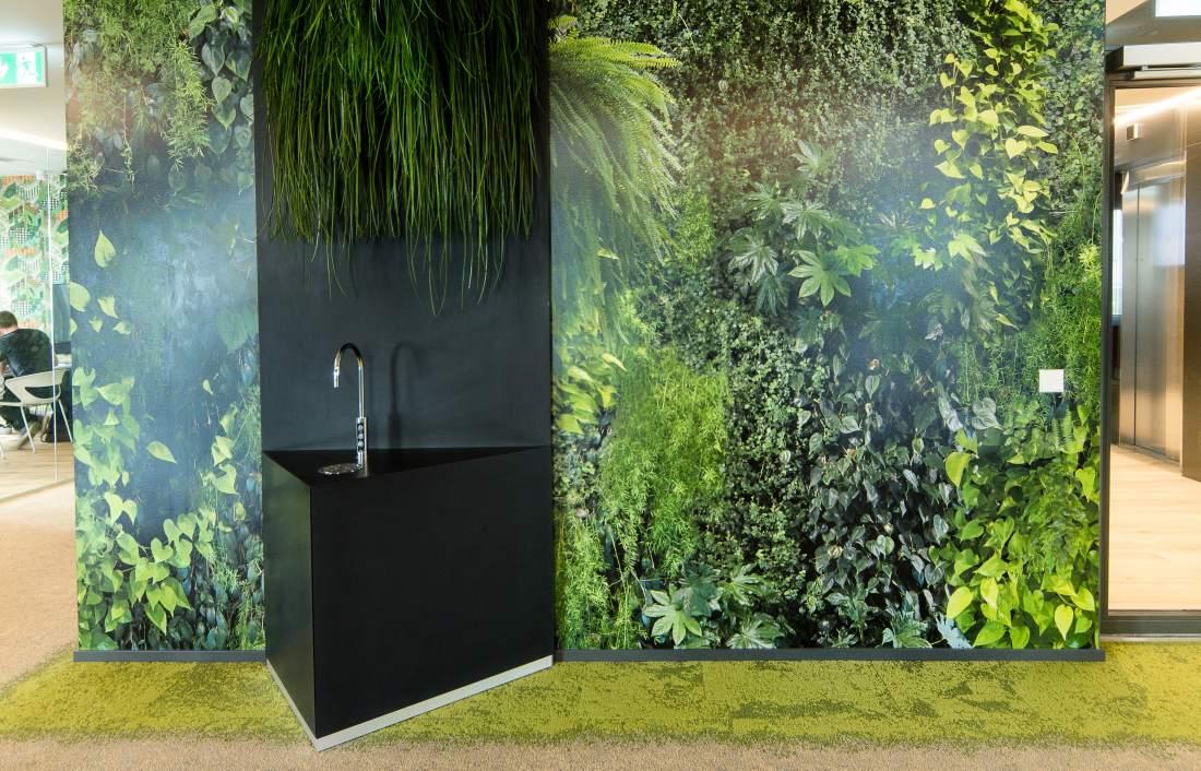 Täna nii aktuaalne kontorivee teema on lahendatud veepuhastussüsteemi lisamisega kraanidele