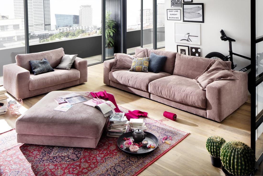 e191017a80e Salongi mööbel on põhiliselt valmistatud täispuidust (tamme-, tiigi- ja  pähklipuust), millele on elu andnud Belgia parimad disainerid ja seda juba  üle 20 ...