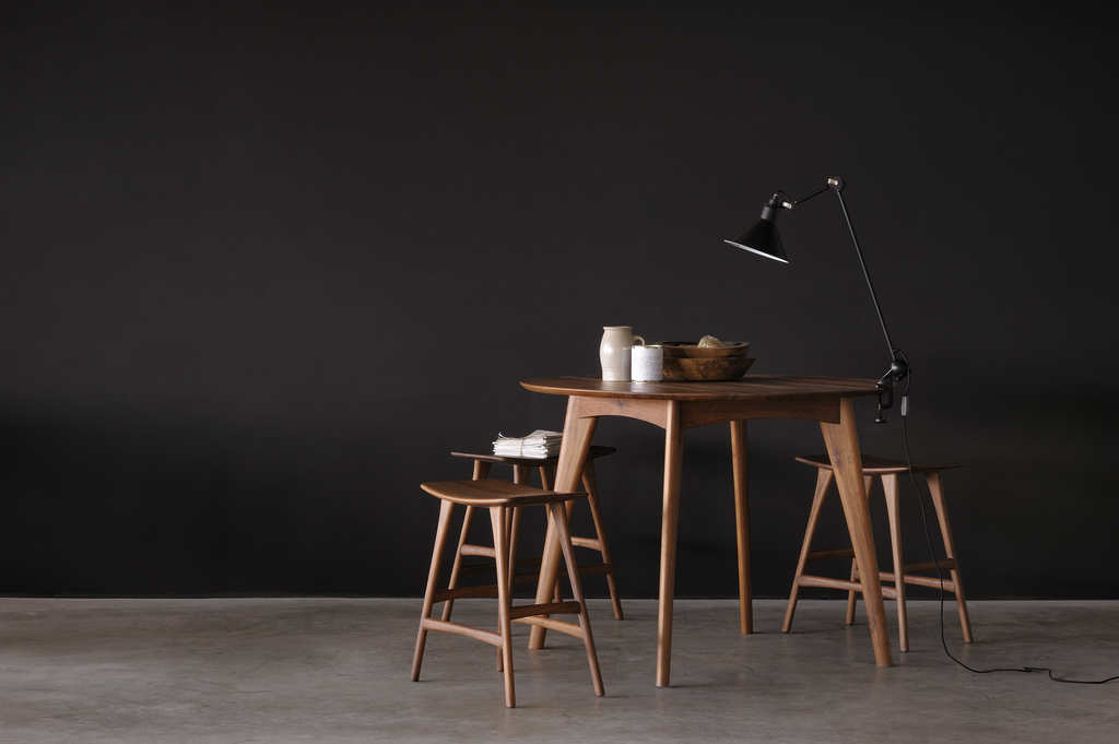 79decd0e4e2 Pähkli puidust valmistatakse eelkõige kõrge kvaliteediga mööblit, parketti  ja muidugi spooni. Kuid kasutatakse ka muusikariistade, näiteks klaverite  ...