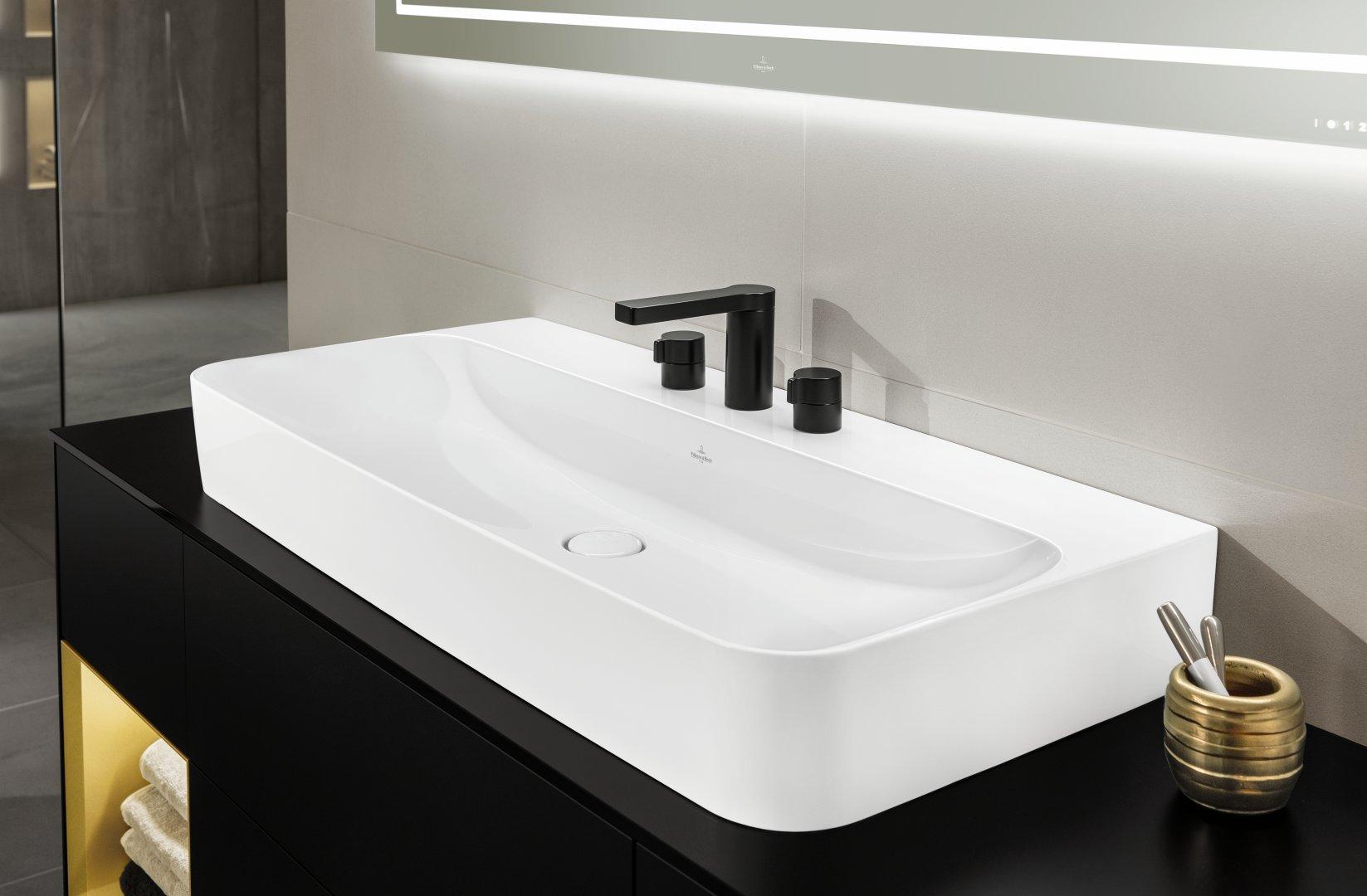 Käepidemeteta vannitoamööbel