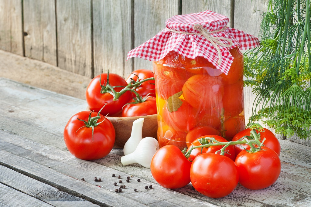 Marineeritud tomatid. Foto: lovebackyard.com