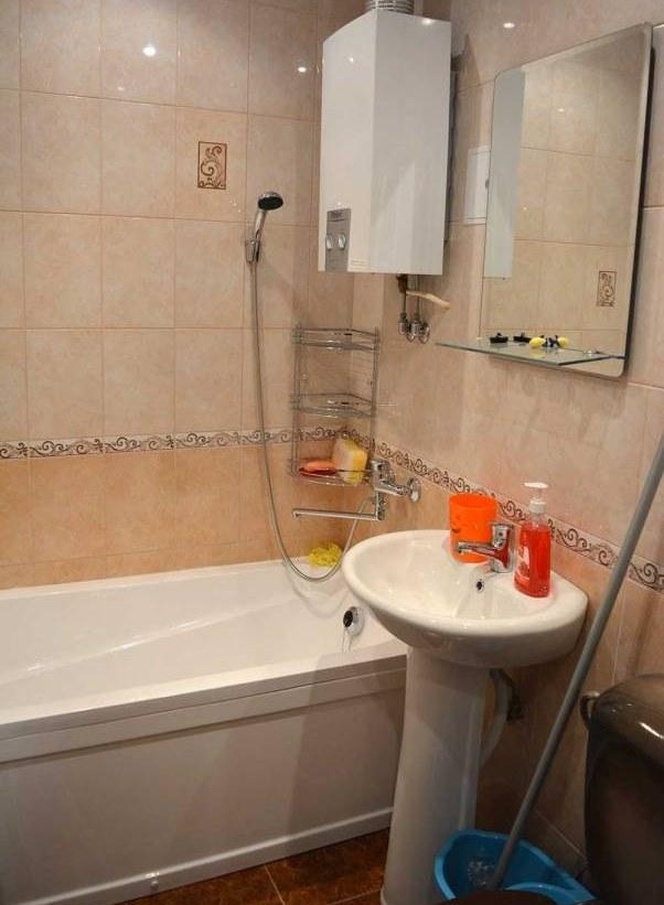 Isiklikud asjad (nustikud, pesuvahendid, põrandapesuämber) on mõistlik enne pildistamist ruumist ära võtta. See ei aita kinnisvara müügile kaasa.