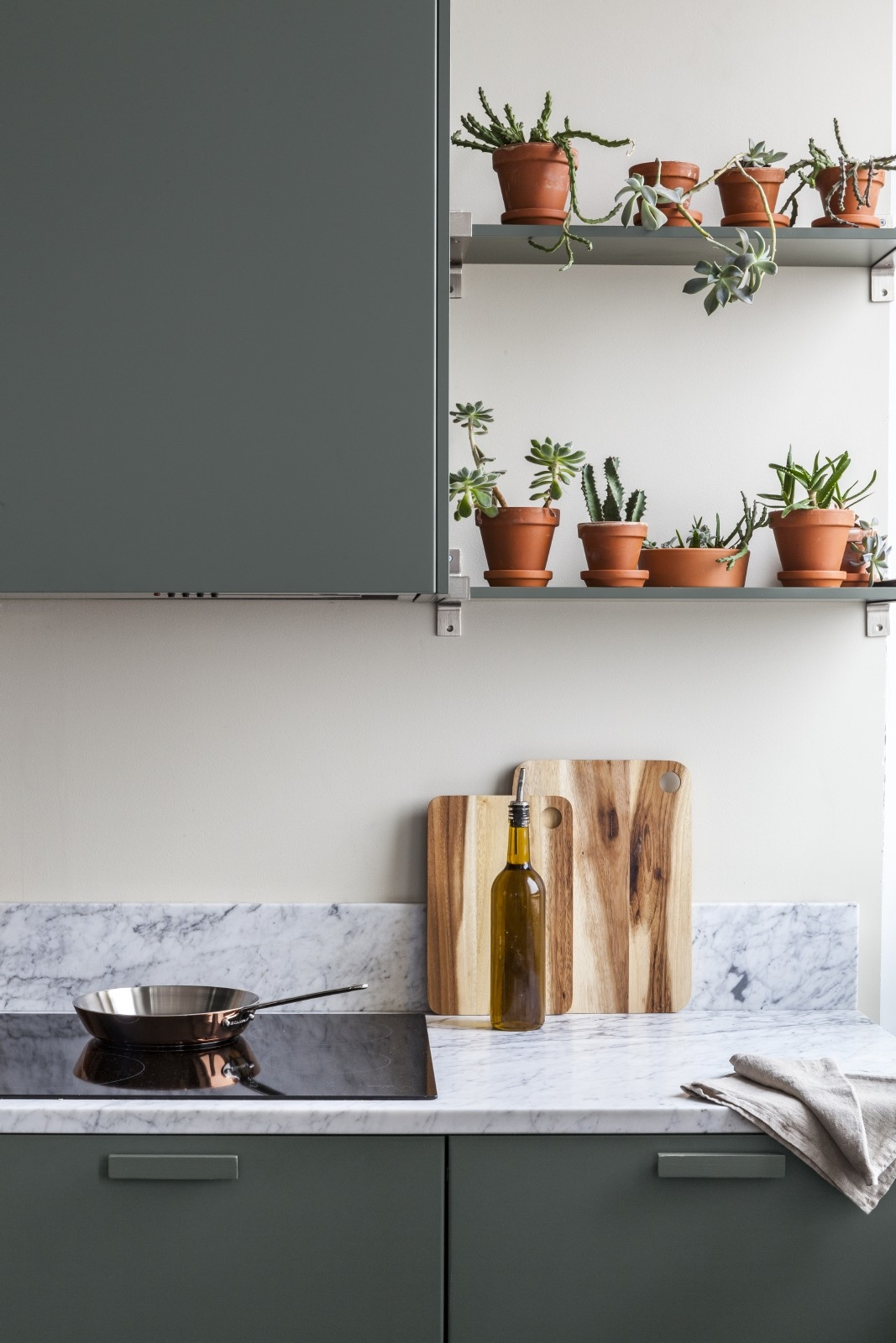 Korras ümbrus ja elusad aksessuaarid aitavad energiataset tõsta! Detailid on olulised. Foto: Tikkurila värvitrendid 2019.