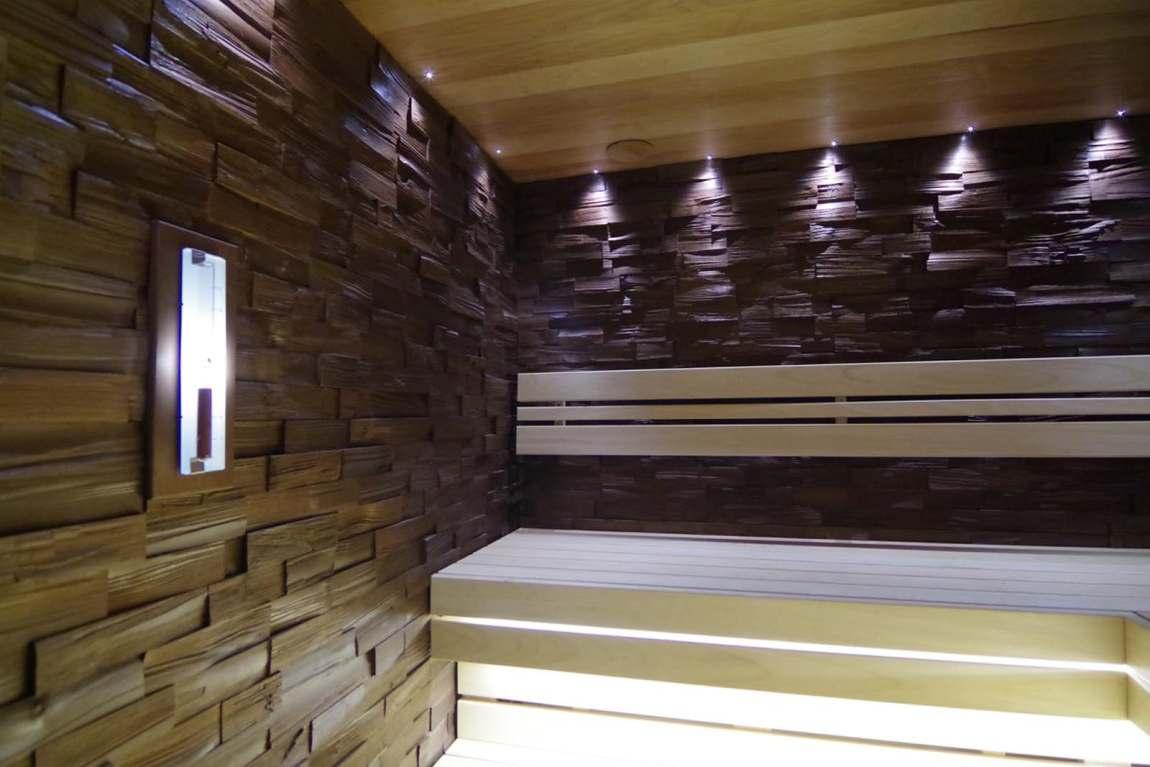 puidust dekoratiivplaadid leiliruumi seinas