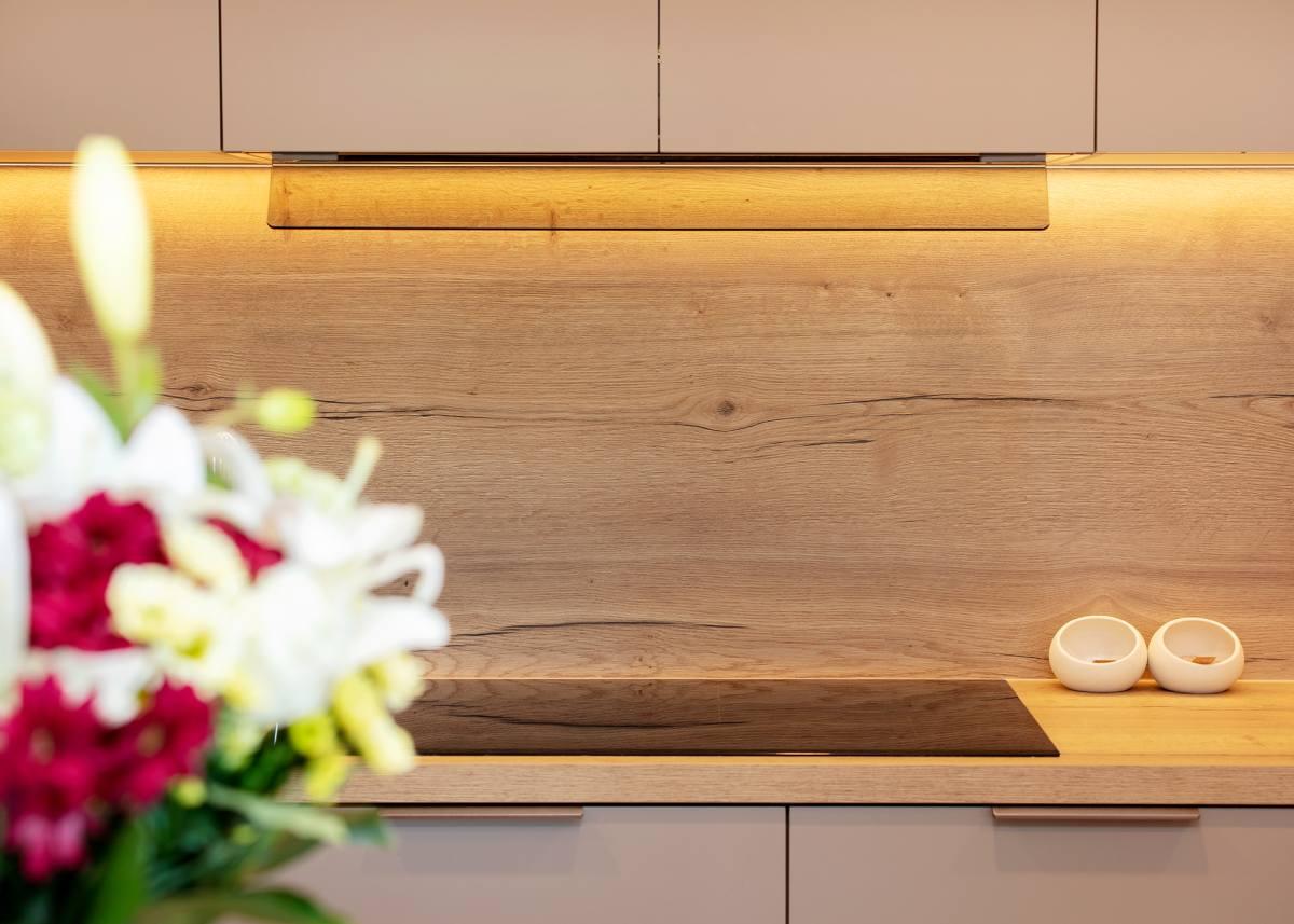 Köögi tasapind on 3D laminaat Egger H1180 Natural Halifax Oak - Mööblimasina köögimööbel