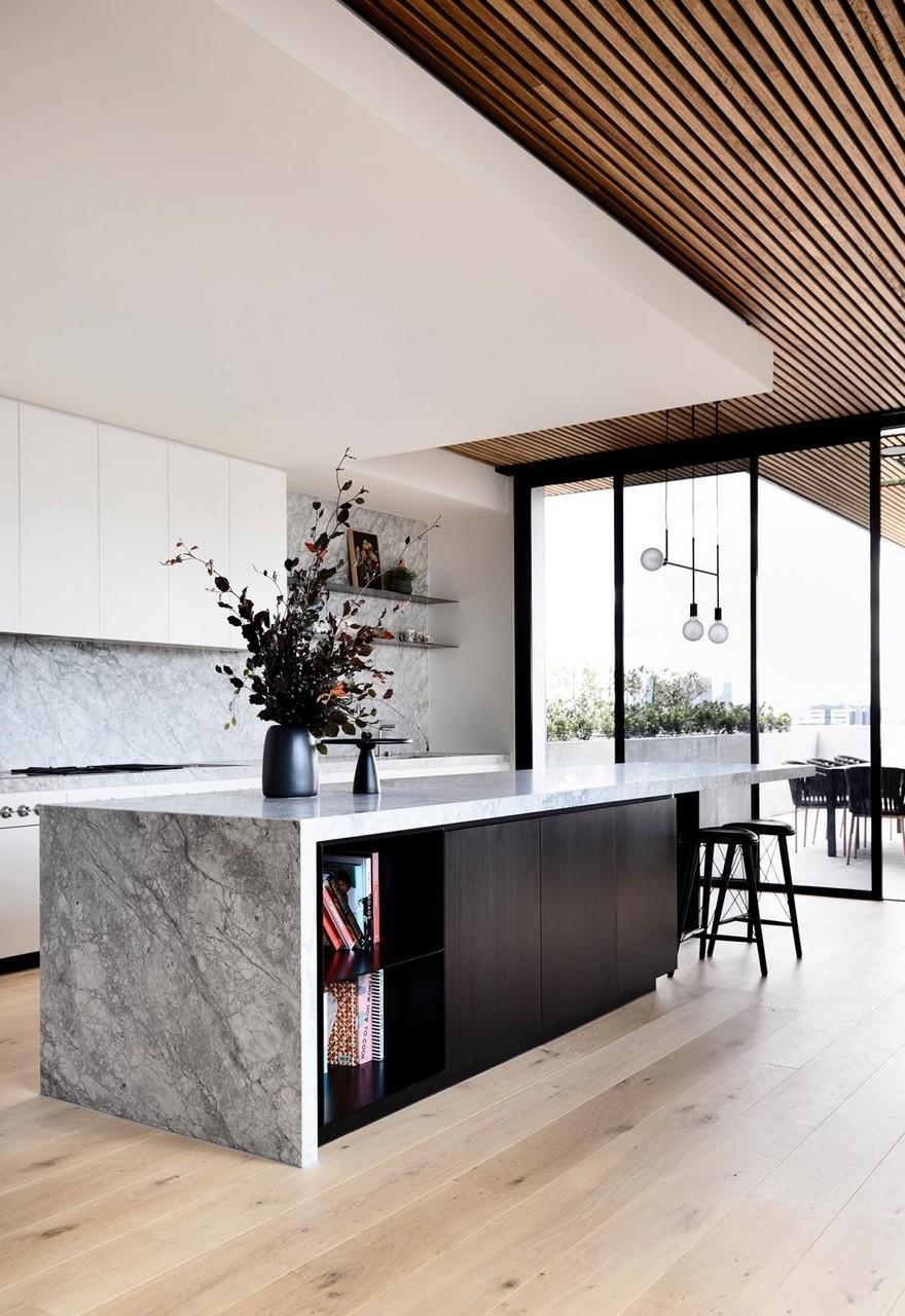 Suur köögisaar lisatööpinna ja söögilaua ja panipaigana.