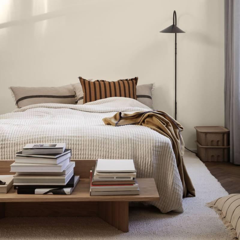 Ühevärviline tepitud ja väga pehme Daze voodikate muudab magamistoa rahulikuks ja annab korras ilme. Tootja: ferm LIVING
